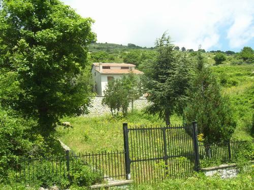 продажа дома с земельным участком в Италии